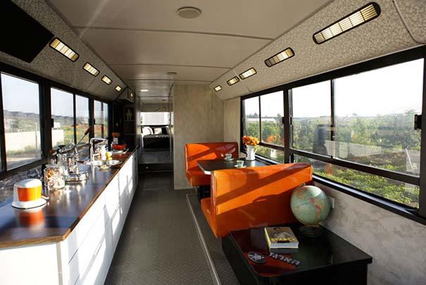 Παλιό λεωφορείο μετατράπηκε σε πολυτελές σπίτι (2)