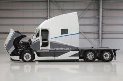 Ένα σούπερ φορτηγό από την θυγατρική Freightliner της Mercedes-Benz