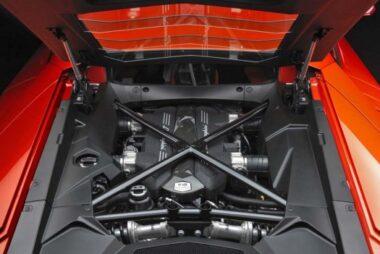 Εμμένει στην ατμόσφαιρα η Lamborghini