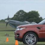 ΒΙΝΤΕΟ: Αυτοκίνητο εναντίον αεροπλάνου