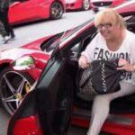Δεν φαντάζεστε τι έγινε όταν έβαλε... την μητέρα του να οδηγήσει μια Ferrari! [video]