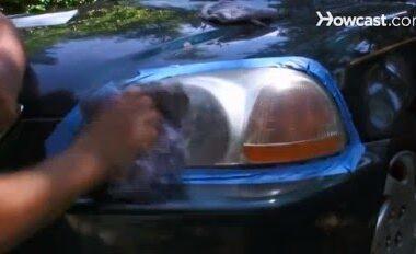 Χρήσιμο: Πώς να καθαρίσετε μόνοι σας το θάμπωμα από το πλαστικό κάλυμμα των προβολέων του αυτοκινήτου σας