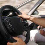 Εστία μικροβίων και μόλυνσης το τιμόνι του αυτοκινήτου...